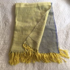 GAP yellow and blue wool scarf